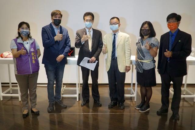 大葉大學造藝系在彰化美術館舉辦「第3屆Circle四所大學國際交流美術展」。(大葉大學提供)