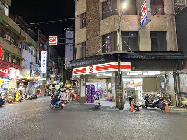 嘉義市文化路夜市攤販配合防疫暫停營業至2021年5月28日。(嘉義市政府提供)