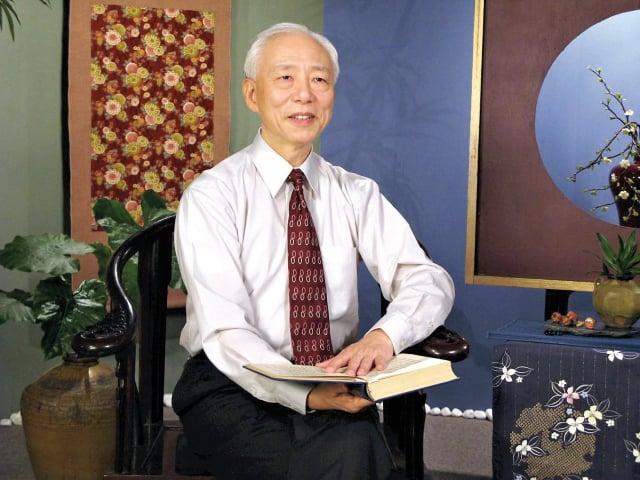 胡乃文醫師在不斷實修中體悟到修命與修心、道德和健康的直接關係。(明慧網)