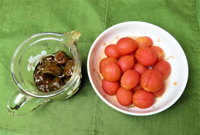 糖漬番茄材料:小番茄、Q梅漬汁。(攝影/鄧玫玲)