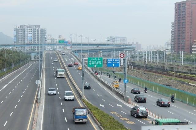 端午節連假即將到來,為減少民眾非必要移動及返鄉,公路總局宣布取消六大優惠措施。高速公路示意圖。(大紀元)