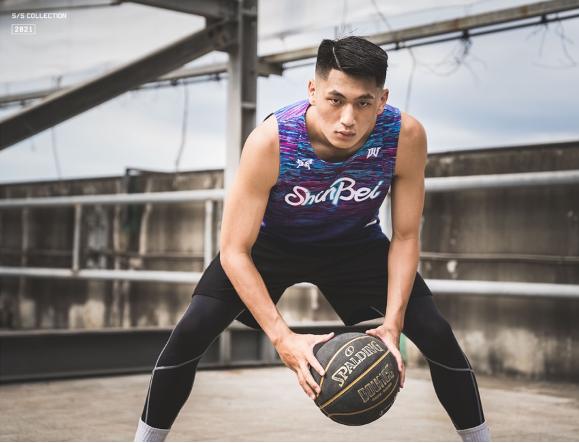 鬥到底3x3城市爭霸賽 X DA VILLAGE推出街頭籃球聯名服飾。(YYsports提供)