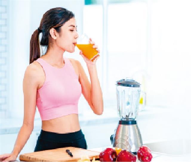 ABC、ACC和BBC果汁不僅有助於維持適當的體重、擺脫小腹的贅肉和內臟脂肪,還具有諸多功效。(Shutterstock)