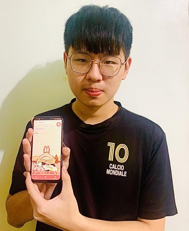 資工系二年級的吳皇霖與團隊研發app獲冠軍殊榮。(桃園市府新聞處提供)