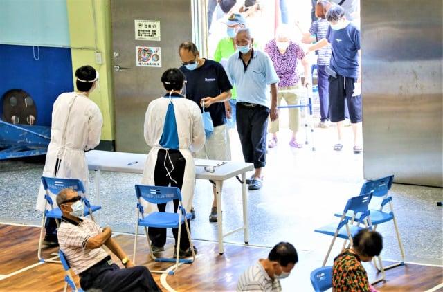 中市85歲疫苗施打率6成。