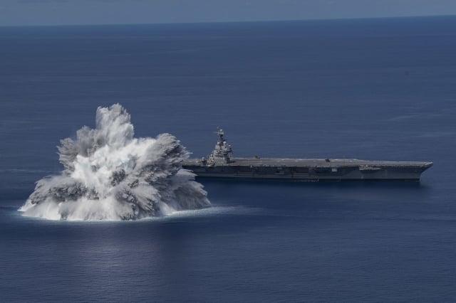 美國海軍福特號航空母艦6月18日,在大西洋上航行時完成第一次全艦衝擊試驗。(美國海軍)