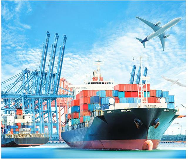 Global Shipping Disrupted by COVID-19 Outbreak in China's Southern Province.(123RF)