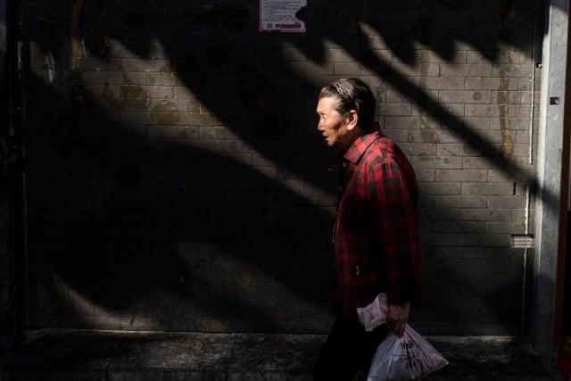 中國一胎化政策導致社會人口老齡化嚴重,而且更有未富先老的慘況。(FRED DUFOUR/AFP/Getty Images)