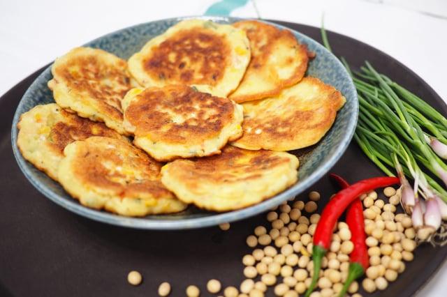 豆渣煎餅。(活水源天癒農法蔬果食品提供)