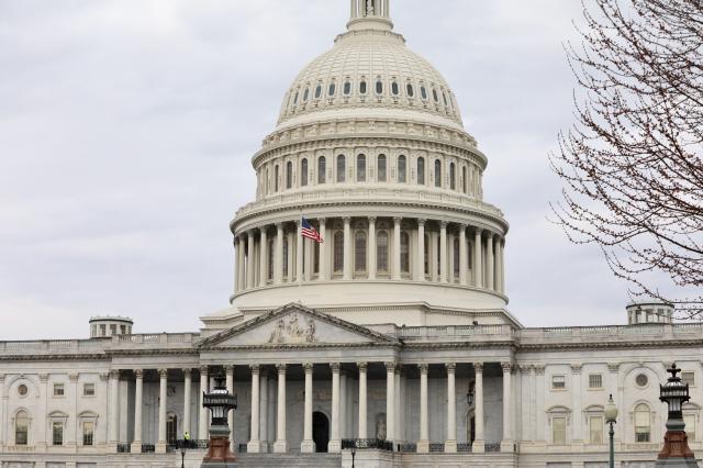 美國眾議院外交委員會15日以26票對20票,通過簡稱為《老鷹法案》的《確保美國全球領導地位及參與法案》。(中央社)