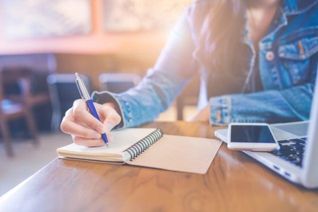 三種類型的寫作可以提高你的自我意識,進而改善心理健康。(123RF)