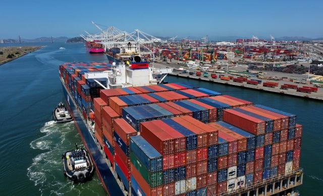 今年臺灣經濟成長率將達5.16%,較4月預測值上修0.36個百分點,主要是受惠於半導體、製造業等出口暢旺。(Justin Sullivan/Getty Images)
