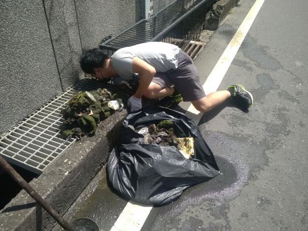 颱風烟花來臨,苗縣加強地下道清疏