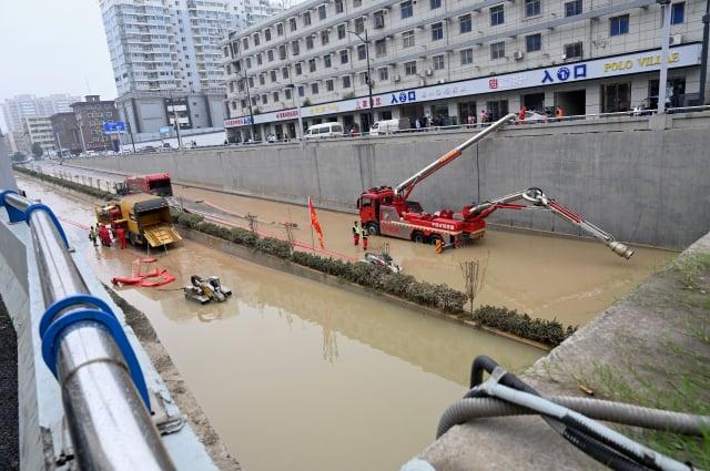 圖為中國鄭州近期的受災情形。(JADE GAO/AFP via Getty Images)