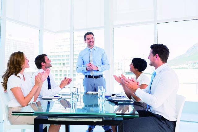 有組織的提問,會激發思維、養成獨立思考習慣、建立知識架構、學習解題技巧,提高其長期學習的卓然成效。(123RF)