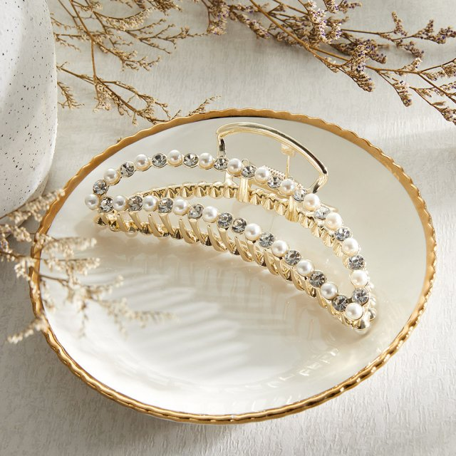 珍珠鑽抓夾。(POYA寶雅提供)