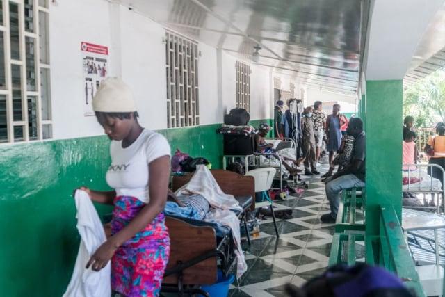 8月15日,海地大城萊凱的醫院人滿為患。(REGINALD LOUISSAINT JR/AFP via Getty Images)