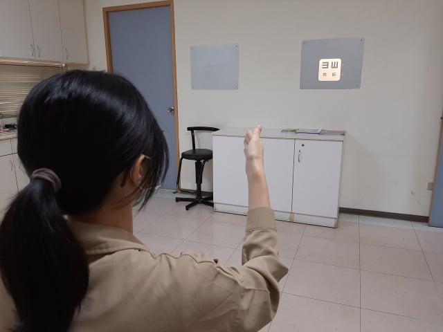 黃慶瑄主任建議,掌握「三要一保」原則,並定期做視力檢查,才能確保眼睛健康(大千醫院提供)