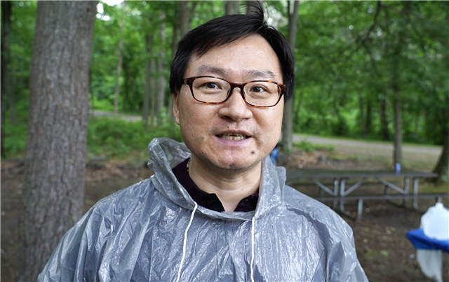 僑教中心主任潘昭榮希望,日後能為臺灣青年們舉辦更多交流活動。(劉景燁/大紀元)