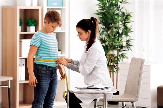 進行食育教養的過程中,父母則是面臨時間不夠用、共同教養觀念差異和無法堅持的痛點。(Shutterstock)