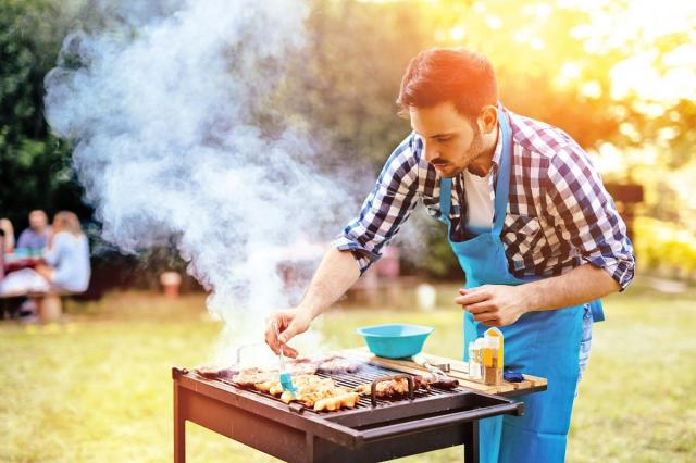 烤肉看起來簡單,不過要烤得專業,還是有許多小細節要注意。(Fotolia)