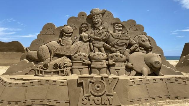 《玩具總動員》沙雕集結胡迪、巴斯光年等眾多經典角色。(福容大飯店提供)