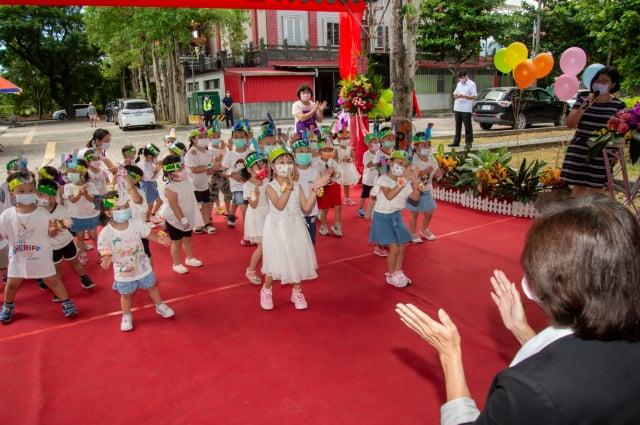 宜蘭縣育英非營利幼兒園揭牌 1。 (2)