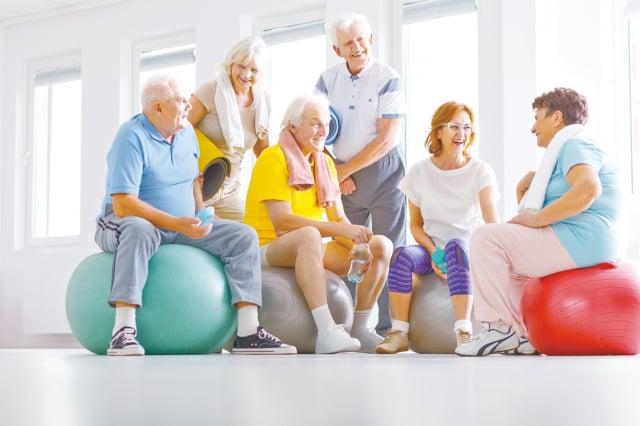藥師提醒,要注意體重與三高,會影響心血管,加速老化,提高失智症的風險。(123RF)