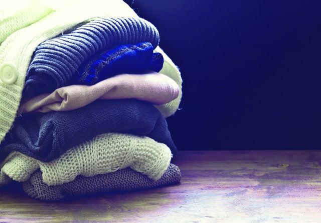 正值含苞綻放的年華,為何穿著棉襖度夏。(123RF )
