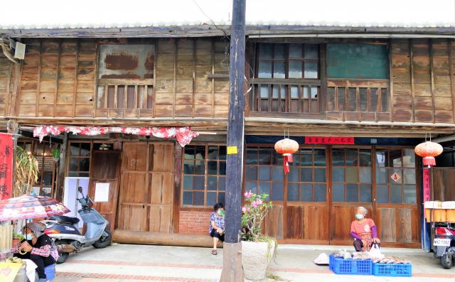 菁寮小有名氣的嫁妝木街屋。(攝影/鄧玫玲)