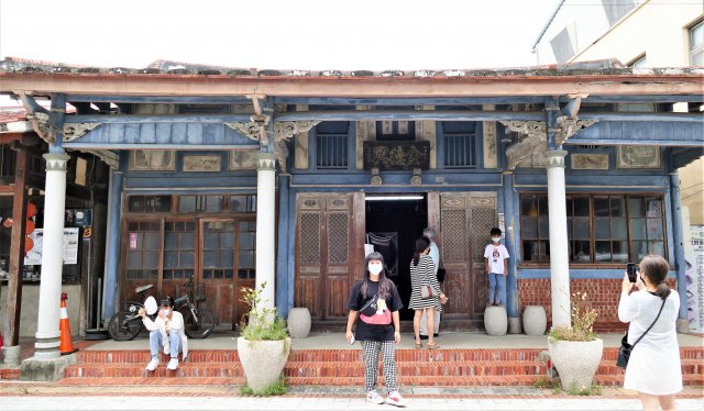 「金德興藥鋪」是菁寮老街上歷史最悠久的古蹟。(攝影/鄧玫玲)