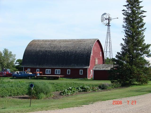 拱形屋頂的百年老榖倉——加拿大薩克契溫省。(謝明景提供)