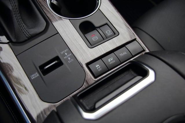 正確使用汽車煞車系統,是良好的駕駛習慣。(攝影/李奧)