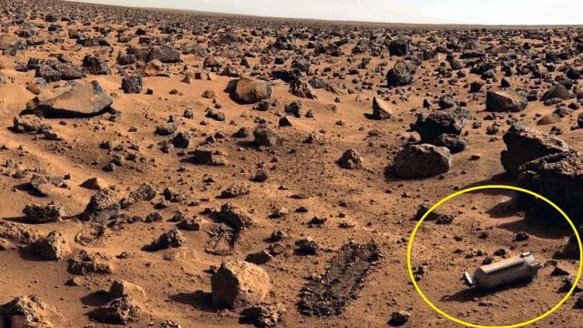 照片右下方出現一枚「氧氣瓶」。(NASA)