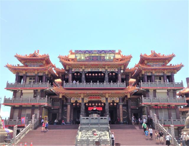 車城福安宮為當地民眾的信仰中心,也是全臺最大的土地公廟。(維基百科)