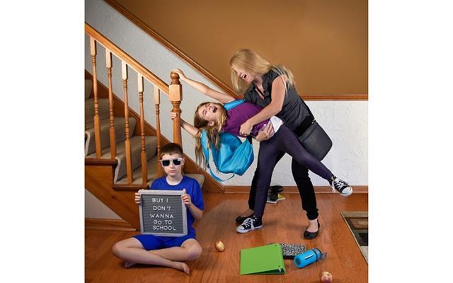 家長可以觀察孩子的適應情形,持續正面鼓勵,並在耐心陪伴下,可以讓孩子順利的回復到原本學習節奏。(Fotolia)
