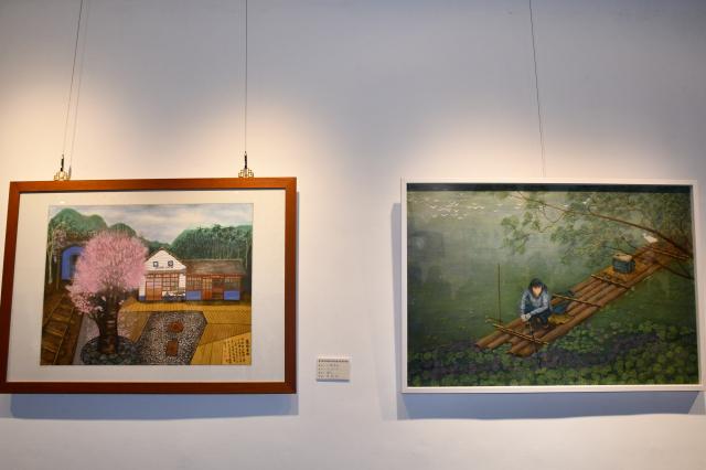 新竹縣美術協會舉辦會員聯展,現場展出的精美畫作。