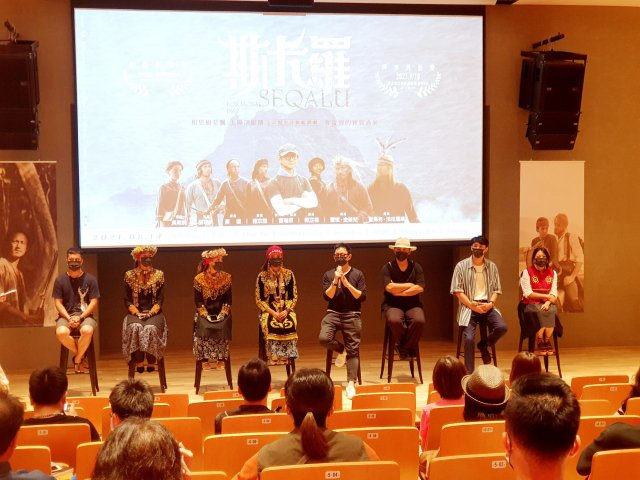 《斯卡羅》導演曹瑞原與演員們,分享拍戲的心路歷程與趣事。