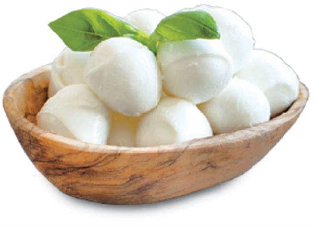 鳥巢義大利麵中,要加入看起來像鳥蛋的莫札瑞拉起司球。(Shutterstock)